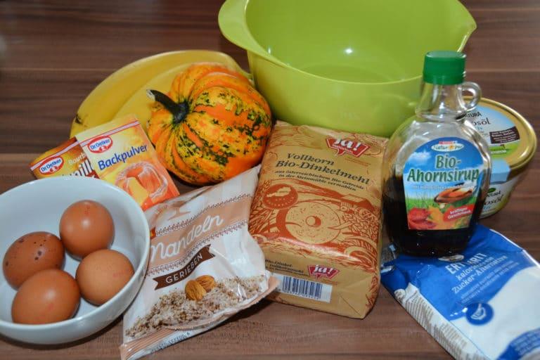 Zutaten für den saftigen Bananen- Kürbiskuchen vom Grill