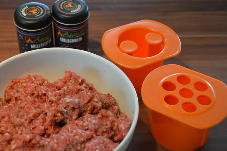 Fertige Fleischmasse für perfekte Cevapcici vom Grill