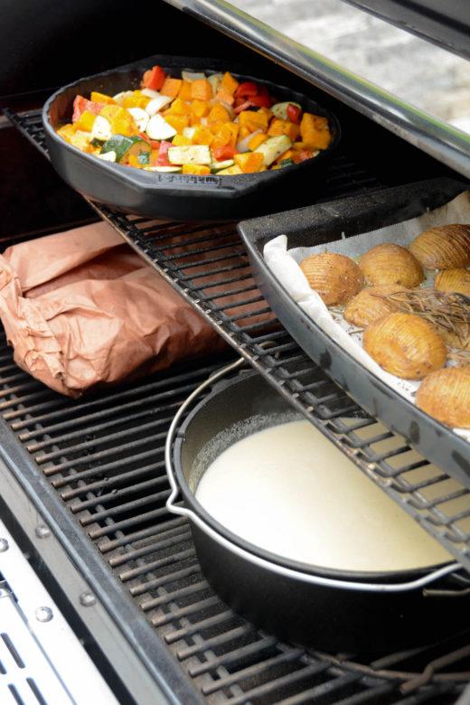 Ganzes Menü vom Grill - Ribs, Kürbis- Gemüsepfanne, Fächerkartoffeln und Selleriecremesuppe
