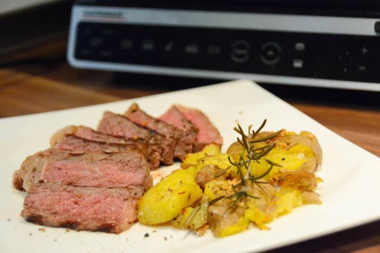 Saftiges Steak vom Gastroback Design BBQ Advanced Smart Tischgrill / Kontaktgrill - Steak Modi Programm