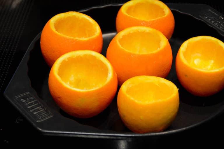 Orangen aushöhlen für den Schokokuchen vom Grill