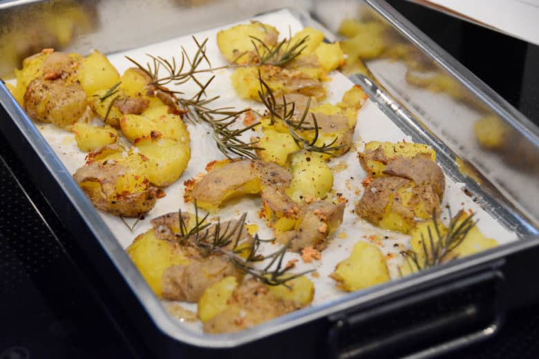 Smashed Potatoes mit einer ordentlichen Prise Knoblauch