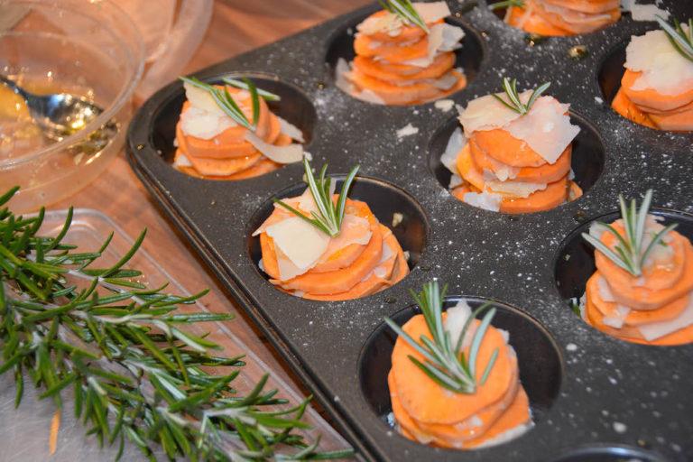 Süßkartoffel Türmchen in der Zubereitung - ein leckeres Beilagenrezept