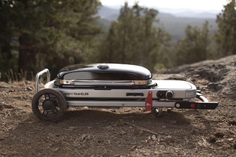 Der neue Weber Traveler - der ideale Begleiter für deinen Grillgenuss unterwegs - Grillneuheiten 2021
