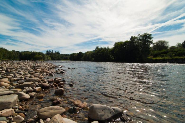 Die Speyside ist die Whisky Region mit der größten Dichte an Destillerien und hat ihren Namen vom Fluss Spey