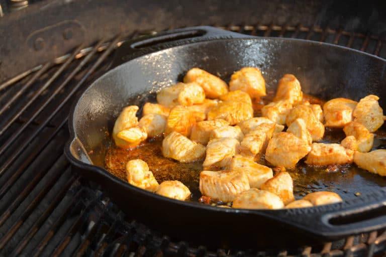 Hühnerfleisch für die spanische Paella
