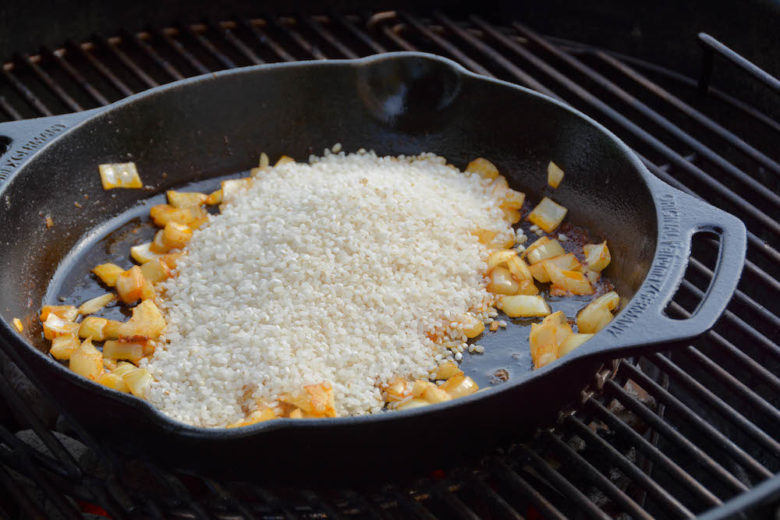 Spanische Paella mit Huhn, Shrimps & Chorizo - paella dutch oven 10 1 - 5