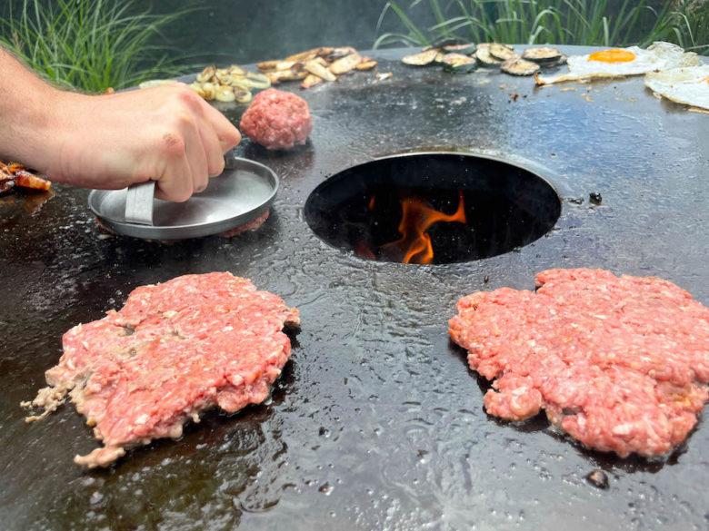 Burger Set von Burnhard - Burger Smasher im Einsatz