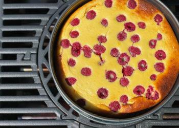 Low Carb Cheesecake mit frischen Himbeeren
