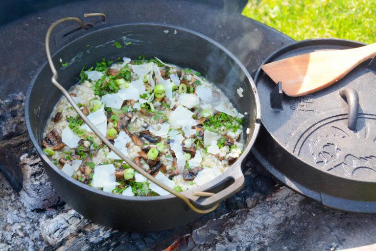 Pilzrisotto aus dem Dutch Oven - Risotto Rezept mit Pilzen