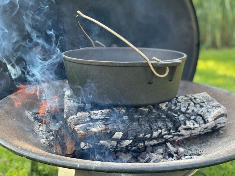Den Dutch Oven fürs Schwammerlrisotto bereits erhitzen